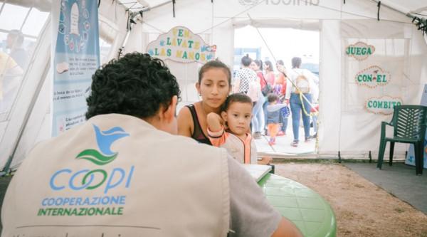 We provide assistance to Venezuelan families in transit in Peru