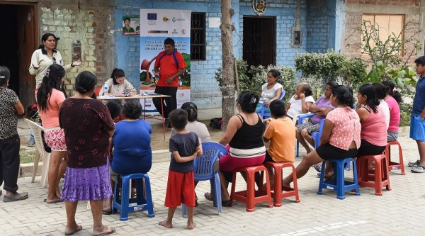 We strengthen community response to hydro-metereological risks