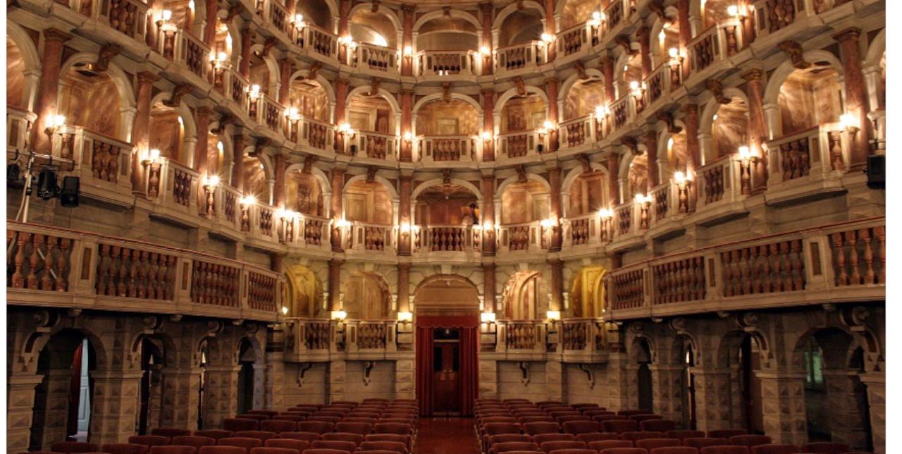 Teatro di Bibiena: cooperazione e testimonianze dal campo