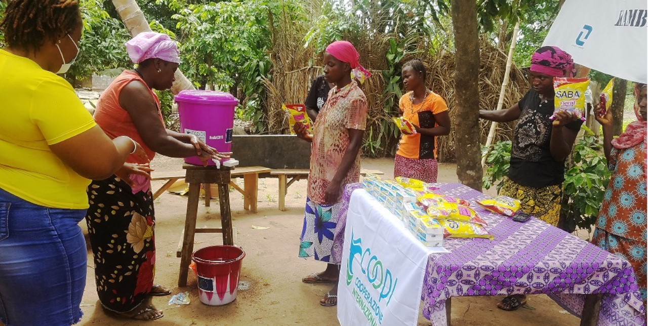 Covid-19. In Sierra Leone, hygiene kit and sensitivitation for farming households