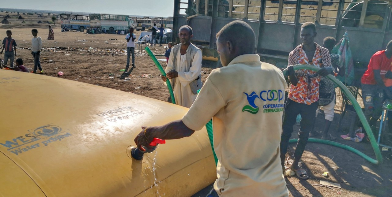 Sudan, emergency water distribution for Tigray refugees